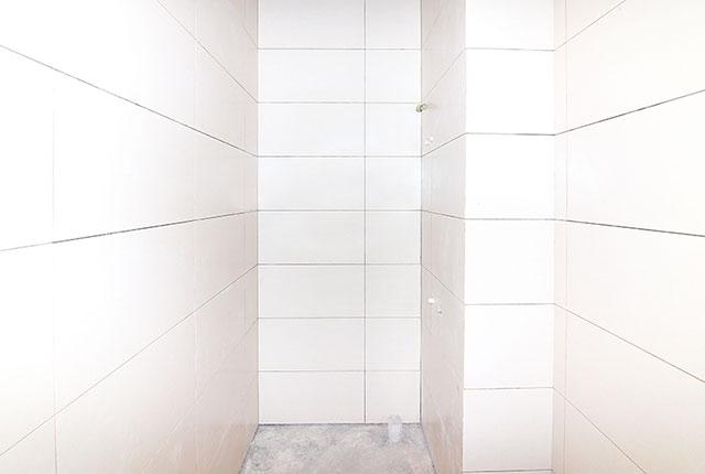 Tien do xay dung can ho 9 view quan 9 Ốp gạch WC căn hộ tầng 11 Block A, tầng 10 Block B và tầng 14 Block C