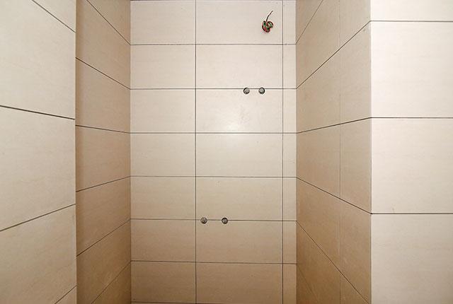 Ốp lát WC từ tầng 6 đến tầng 13 block Glory